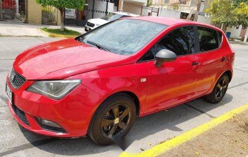 Un carro Seat Ibiza 2013 en Zapopan