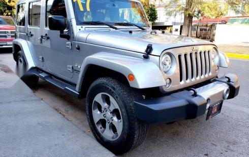 Se vende un Jeep Wrangler 2017 por cuestiones económicas