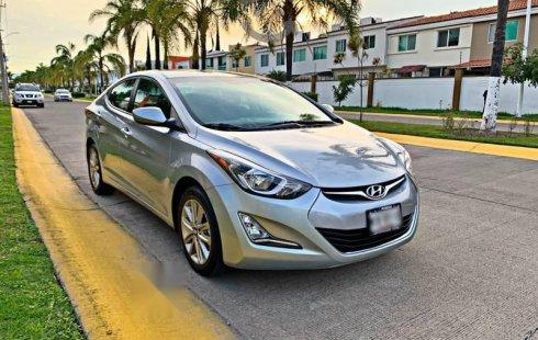 Hyundai Elantra 2015 barato en Zapopan