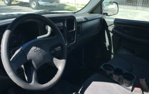 Chevrolet 1500 2005 impecable