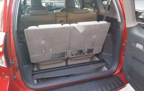 Un Toyota RAV4 2010 impecable te está esperando