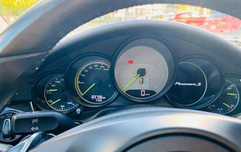 Se vende un Porsche Panamera de segunda mano