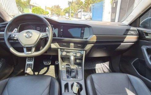 Vendo un carro Volkswagen Jetta 2019 excelente, llámama para verlo