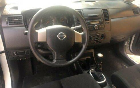 Quiero vender urgentemente mi auto Nissan Tiida 2014 muy bien estado