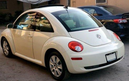 Un carro Volkswagen Beetle 2009 en Tijuana