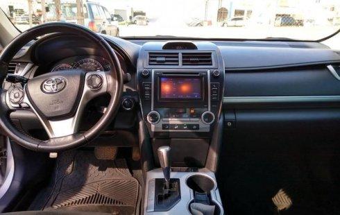 Quiero vender inmediatamente mi auto Toyota Camry 2012