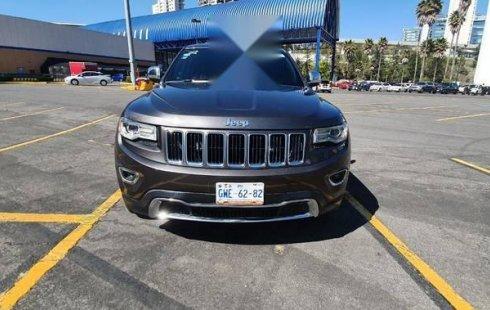 Vendo un carro Jeep Grand Cherokee 2016 excelente, llámama para verlo