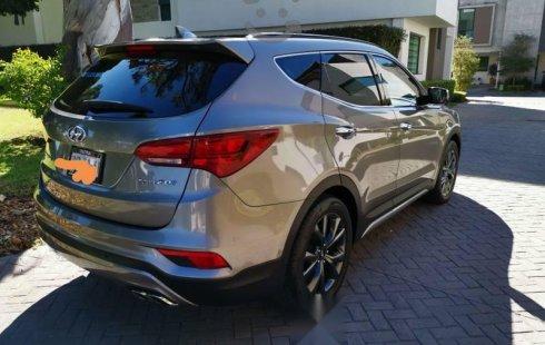 Carro Hyundai Santa Fe 2017 en buen estadode único propietario en excelente estado