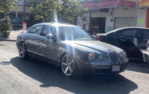 Pongo a la venta cuanto antes posible un Jaguar S-Type que tiene todos los documentos necesarios