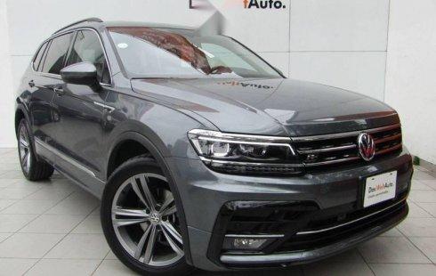 Quiero vender urgentemente mi auto Volkswagen Tiguan 2019 muy bien estado