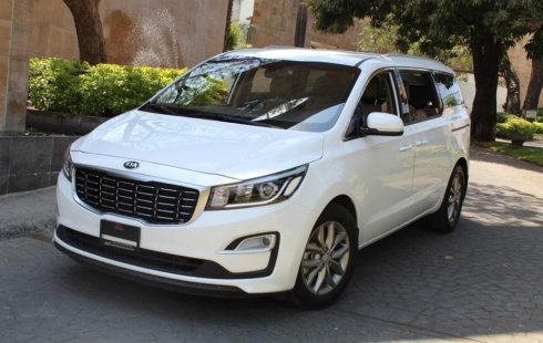 Vendo un Kia Sedona impecable
