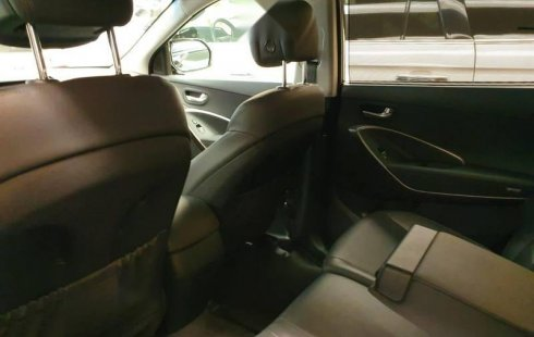 Carro Hyundai Santa Fe 2018 en buen estado de único propietario en excelente estado