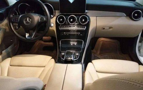 Quiero vender cuanto antes posible un Mercedes-Benz Clase C 2015