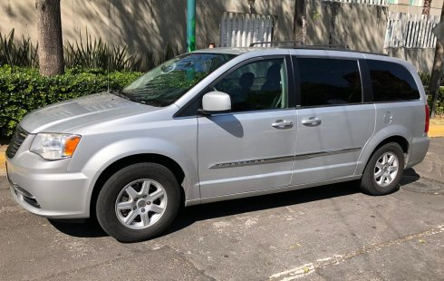 Chrysler Town & Country Gris