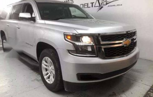 Quiero vender un Chevrolet Suburban usado