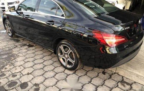 Vendo un Mercedes-Benz Clase CLA impecable