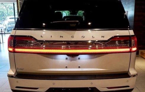 Quiero vender inmediatamente mi auto Lincoln Navigator 2019 muy bien cuidado
