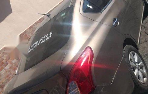 En venta carro Nissan Versa 2012 en excelente estado