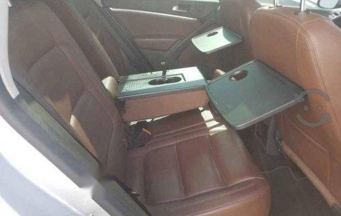 Quiero vender inmediatamente mi auto Volkswagen Tiguan 2014 muy bien cuidado