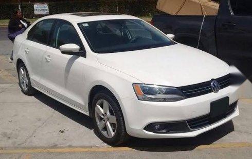 Vendo un carro Volkswagen Jetta 2014 excelente, llámama para verlo