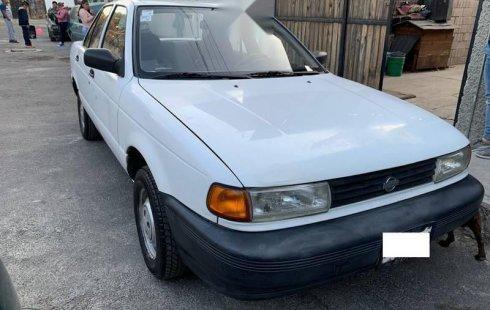 Se vende un Nissan Tsuru 1998 por cuestiones económicas