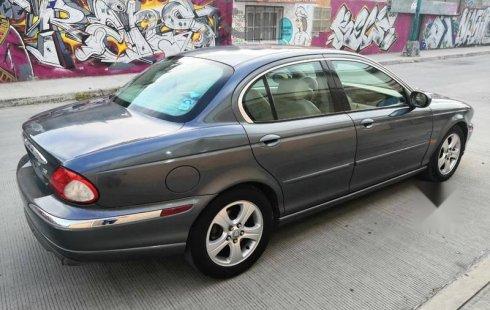 Jaguar X-Type impecable en León