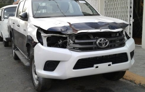 En venta carro Toyota Hilux 2018 en excelente estado