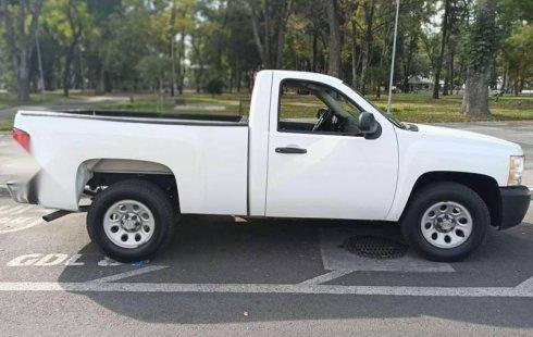 Tengo que vender mi querido Chevrolet 1500 2011