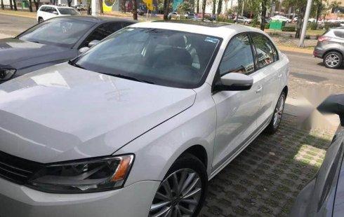 Urge!! Vendo excelente Volkswagen Jetta 2013 Automático en en Zapopan