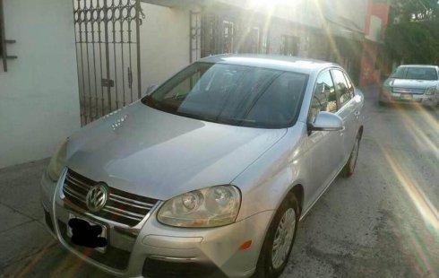 Se vende urgemente Volkswagen Bora 2006 Automático en Ecatepec de Morelos