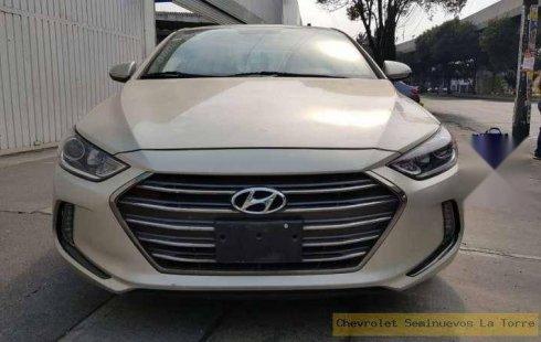 Hyundai Elantra impecable en Iztacalco