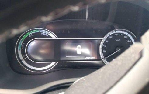 Un carro Kia Niro 2019 en Centro