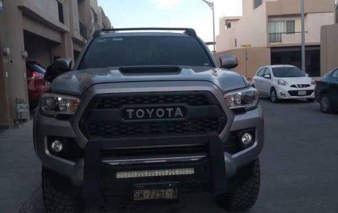 Tengo que vender mi querido Toyota Tacoma 2016