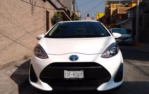 Se vende un Toyota Prius 2018 por cuestiones económicas