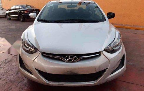 Hyundai Elantra 2016 barato