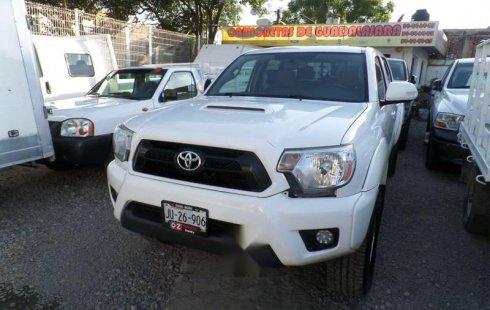 Quiero vender cuanto antes posible un Toyota Tacoma 2015