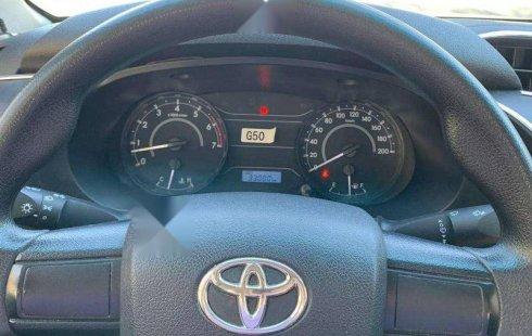 Vendo un carro Toyota Hilux 2017 excelente, llámama para verlo