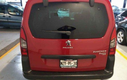 Pongo a la venta un Peugeot Partner en excelente condicción