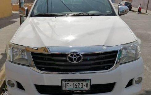 Quiero vender inmediatamente mi auto Toyota Hilux 2013 muy bien cuidado