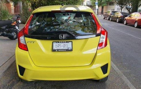 Pongo a la venta cuanto antes posible un Honda Fit en excelente condicción