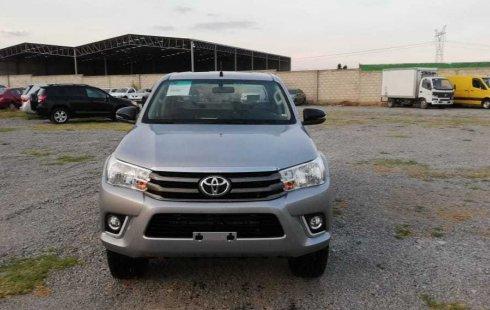 Pongo a la venta cuanto antes posible un Toyota Hilux que tiene todos los documentos necesarios
