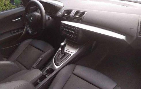 En venta carro BMW Serie 1 2006 en excelente estado