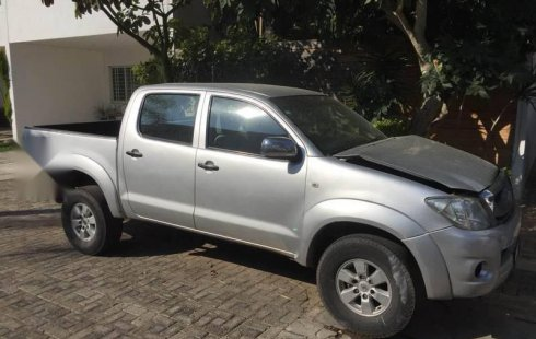 Urge!! Vendo excelente Toyota Hilux 2010 Manual en en Zapopan