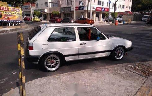 Se vende un Volkswagen Golf 1988 por cuestiones económicas