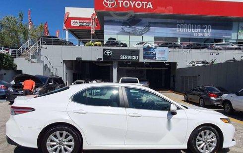 Quiero vender un Toyota Camry en buena condicción