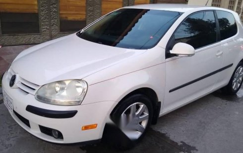 Quiero vender un Volkswagen Golf en buena condicción