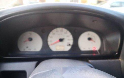 Vendo un carro Nissan NP300 2004 excelente, llámama para verlo