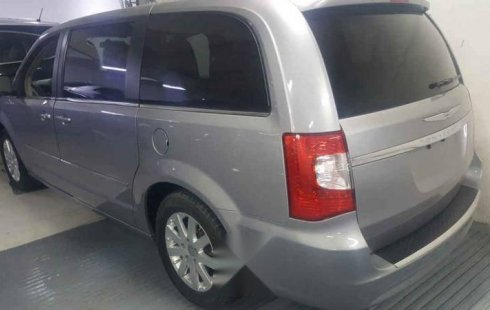 Se vende un Chrysler Town & Country de segunda mano