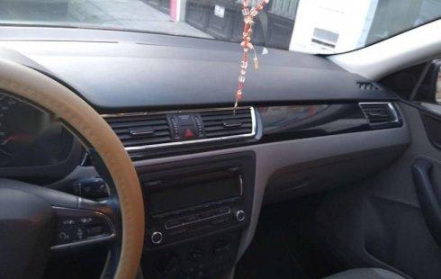 Quiero vender inmediatamente mi auto Seat Toledo 2015