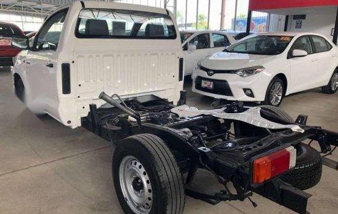 Urge!! Vendo excelente Toyota Hilux 2015 Manual en en Zapopan
